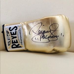 MANNY PACQUIAO AUTOGRAPH GLOVE WITH COA BRAND NEW!